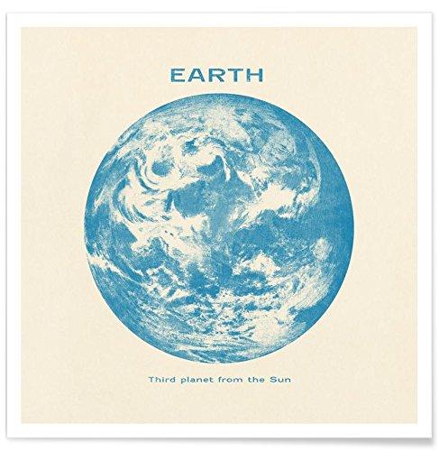"JUNIQE® Erde Poster 20x20cm - Design ""Earth"" entworfen von Terry Fan"