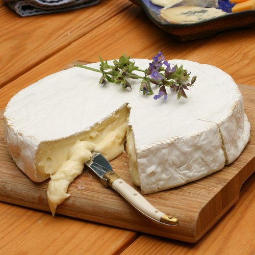 Brie cheese (from France)
