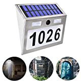 Buycitky - Placa de número de puerta con luces y número de casa, funciona con energía solar, luces solares de pared para exteriores, incluye número de letras.