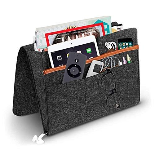 Betttasche, Sofa Organizer   Filz Bettablage, Anti-Rutsch Nachttisch Tasche für Buch, Zeitschriften, iPad, Handy, Fernbedienung   5 Taschen & Seitenloch für Aufladungskabel - 32 X 24cm (Schwarz2)
