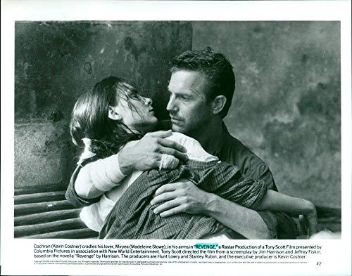 Revenge – Eine gefährliche Affäre - Vintage Press Photo