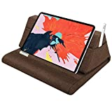 MoKo Tablet Pillow Stand, Soft Bed Pillow Holder, Fits up to 11' Pad, Fit with iPad 10.2'(8th Gen), New iPad Air 4 10.9'/ Air 3, iPad Pro 11/10.5/9.7, Mini 5 4, Galaxy Tab S6/ S7 11', Coffee