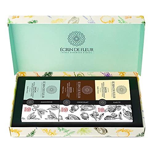 Écrin De Fleur – Set Saponette Regalo – 3 Saponette Organiche - Burro di Karitè, Mandorle e Cioccolato - Saponi Solidi, Saponi Naturali, Saponi Artigianali, Sapone pelli sensibili, Certificato BIO