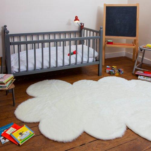 Dywan dziecięcy na słupku – chmura biała 140 x 200 cm – sztuczne futro