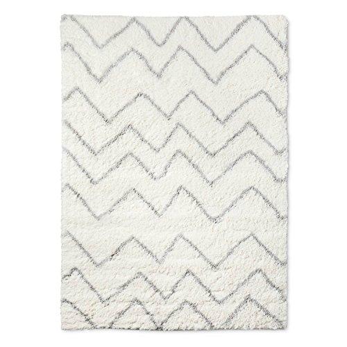 """4'x5'6"""" Chevron Shag Area Rug Cream - Pillowfort™"""