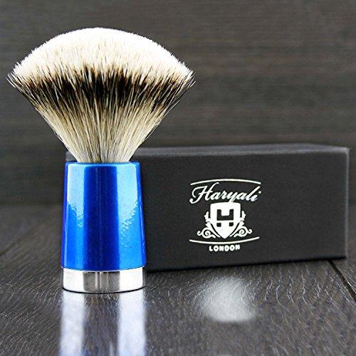 Haryali London Blaireau de rasage pour homme avec manche bleu et poils en argent pur.