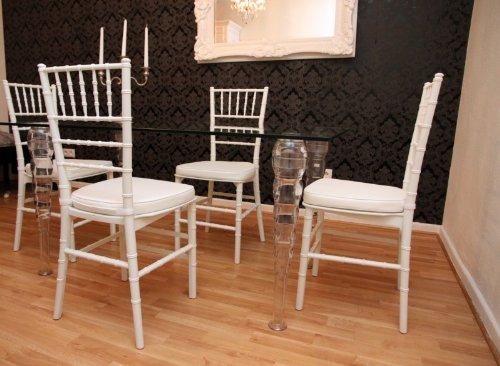 Casa Padrino Designer Acryl Esszimmer Set Weiß/Weiß - Ghost Chair Table - Polycarbonat Möbel - 1 Tisch + 4 Stühle Designer Möbel