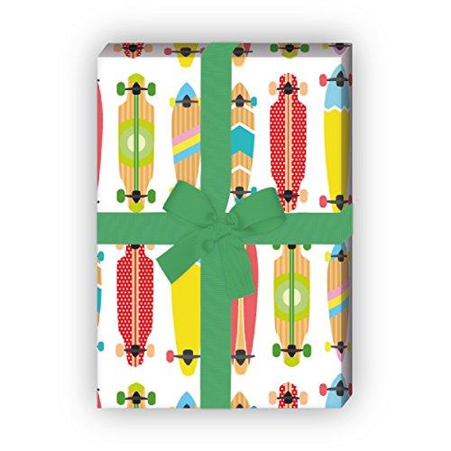 Kartenkaufrausch Buntes Skater Geschenkpapier Set mit coolen Skateboards als edle Geschenk Verpackung, 4 Bögen Musterpapier, Dekorpapier zum basteln 32 x 48cm, auf weiß