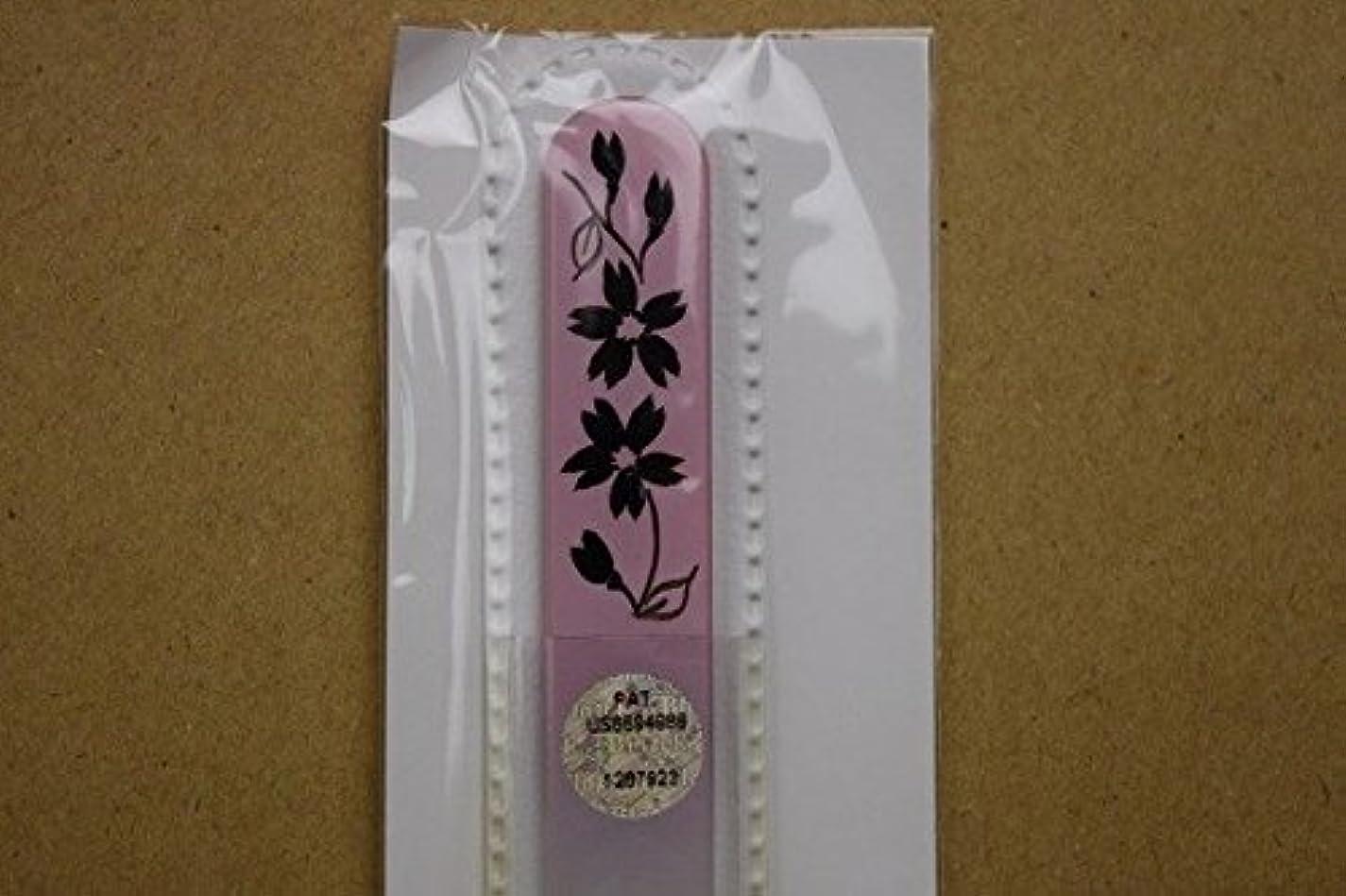 知性食器棚腐敗【ブラジェク】ガラス爪やすり ハンドペインティング (#503P) 黒色の花(本体が、一部ピンク色)