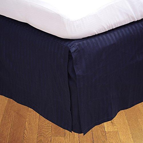 Dreamz Parure de lit Super Doux Coton égyptien 650 Fils Finition élégante 1PC en pli Creux Jupe de lit (Drop Longueur : 20,3 cm) UK King, Bleu Marine à Rayures
