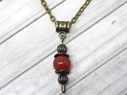 Collar con colgante de estilo vintage para mujer en cornalina roja montado sobre una cadena de bronce antiguo