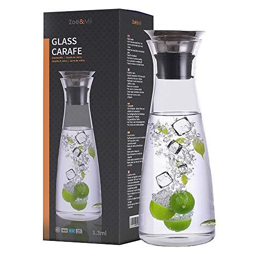 Zoë&Mii Original 1,3l Glaskaraffe - Wasserkaraffe mit Edelstahl Deckel - Karaffe aus Glas - Glaskanne Geschenk als Wasserkrug und Wein Dekanter Krug
