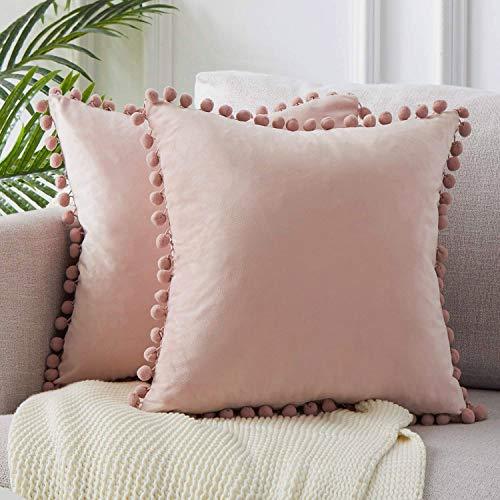 Angel's Pride - Juego de 2 cojines de terciopelo con pompones de un solo color, fundas de cojín decorativas, cojines decorativos, cojines de sofá, dormitorio, oficina, coche, 45 x 45 cm, Rosa.