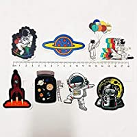 3Dカーステッカー 50PCS宇宙ステーションの宇宙飛行士の月面ロケットの漫画のステッカー落書きステッカーコンピュータトロリーユニバースがシフトする可能性