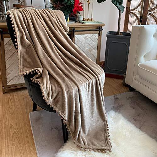 TEALP Flanell Pompon Decke Nap Nap Decke Bequeme Bettdecke Weiche Schlafsofa Decke Geeignet für alle Jahreszeiten (Khaki, 150 x 200 cm)
