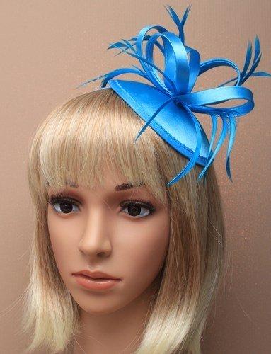 5398 Chapelier en satin avec plumes Bleu turquoise