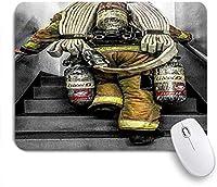 ZOMOY マウスパッド 個性的 おしゃれ 柔軟 かわいい ゴム製裏面 ゲーミングマウスパッド PC ノートパソコン オフィス用 デスクマット 滑り止め 耐久性が良い おもしろいパターン (消防士消防旗パターンデジタルプリント)