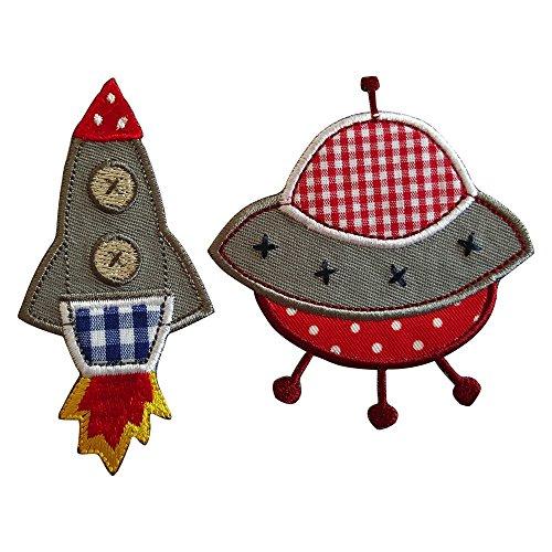 5X9Cm Cohete096 Cohete multicolor bordado con relieve, para incentivar la imaginación de los niños en su ropa Platillo volador en contrastes de rojo y blanco, un estampado imaginativo y atrayente.