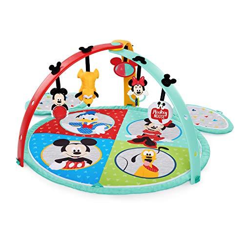 Disney Baby, Micky Maus Spieldecke mit Spielbogen und Melodien, fünf extra Spielzeugen und maschinenwaschbare Matte, faltbar für unterwegs