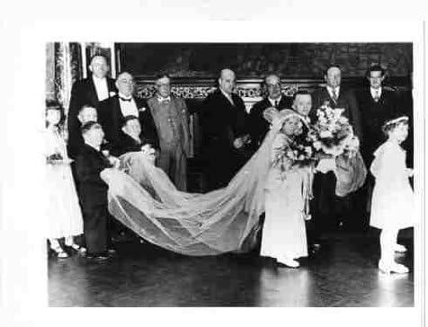 Washington Wholesale Mall Photo of a Midget Ceremony c1950 Wedding