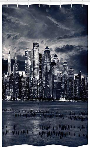 ABAKUHAUS Stadt Schmaler Duschvorhang, Dramatische Ansicht NYC Skyline, Badezimmer Deko Set aus Stoff mit Haken, 120 x 180 cm, Anthrazit grau Weiß Schwarz