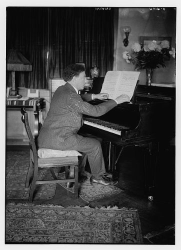 Historic Photographs, LLC Photo: Josef Lhevinne,Pianist,Piano Teacher,Musical Instruments,Sheet Music,Keys,Seats