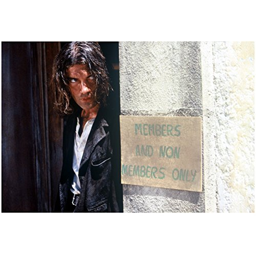 Antonio Banderas 8 x 10 Photo Long Hair Standing Around Corner From Sign 'MEMBERS AND NON MEMBERS ONLY' kn
