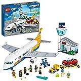 LEGO CityAirport AereoPasseggeri con Terminalee Camion, Playset per Bambini dai 6 Anni in Poi, 60262