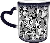 Camuflaje blanco y negro Taza mágica sensible al calor que cambia de color en el cielo Tazas de café artísticas divertidas Regalos personalizados para amantes de la familia Amigos-Azul