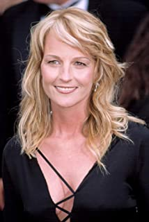 Posterazzi Poster Print Collection Helen Hunt (Wearing Gucci) at The Academy Awards 3242002 La Ca by Robert Hepler. Celebrity (8 x 10)