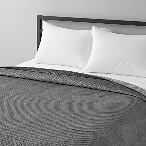 Amazon Basics - Funda de Minky acolchada para mantas con peso, 150cm x 200cm (doble), gris oscuro