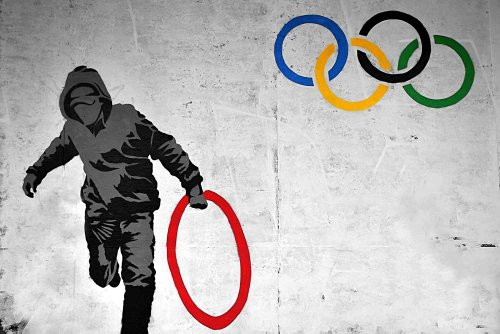 Iconic Art by Banksy Hooded Thug Stealing Olympic Ring Poster Wall Prints Size A1 (59.4cm x 84.1cm)