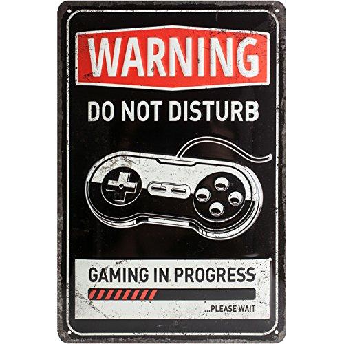 Nostalgic-Art Cartel de Chapa Retro Gaming in Progress – Idea de Regalo para Gamers, metálico, Diseño Vintage para decoración Pared, 20 x 30 cm