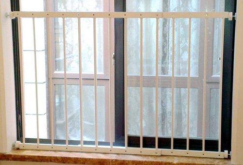 【World box】ベビーガード 転落事故防止 フェンス 突っ張り式 簡単設置 簡易 柵 窓 部屋 仕切り 安心 安全 赤ちゃん ペット