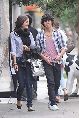 Posterazzi Poster Print Joe Jonas and Camilla Belle Sighting Joans On Third Los Angeles Ca June 3 2009. Photo by MaximillionEverett Collection Celebrity (16 x 20) -  EVC0903JNEXI005LARGE