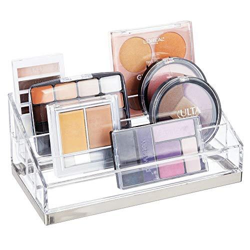 mDesign Práctico Organizador de Maquillaje – Caja para cosméticos Decorativa para Guardar pintaúñas y Polvos – Bandeja organizadora con 4 Compartimentos para Maquillaje – Transparente/Plateado