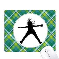 体育スポーツ髪ジャンプ 緑の格子のピクセルゴムのマウスパッド