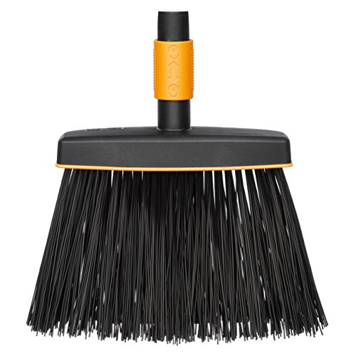 Fiskars Cepillo de exterior, Largo: 26 cm, Cerdas de polipropileno, Negro/Naranja, 1001415