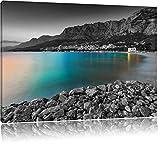 sensationeller Strand in Makarska Kroatien schwarz/weiß