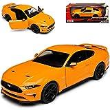 Motormax Ford Mustang VI Coupe Orange Modell Ab 2014 Version ab Facelift 2017 1/24 Modell Auto mit individiuellem Wunschkennzeichen