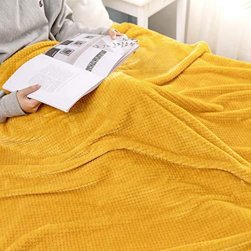 MIULEE Kuscheldecke Granulat Fleecedecke Flanell Decke Weich Flauschig Einfarbig Wohndecken Couchdecke Sofadecke Blanket für Bett Sofa Schlafzimmer Büro, 150x200 cm Golden