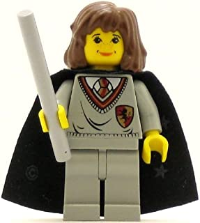 LEGO Harry Potter Minifig Hermione Gryffindor Shield Torso Light Gray Legs Black Cape with Stars
