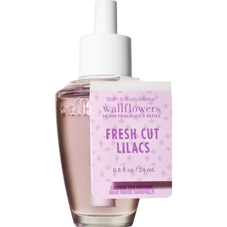 講堂行動み【Bath&Body Works/バス&ボディワークス】 ルームフレグランス 詰替えリフィル フレッシュカットライラック Wallflowers Home Fragrance Refill Fresh Cut Lilacs [並行輸入品]