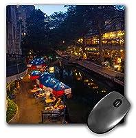 """3Dローズ""""米国テキサス州サンアントニオのダウンタウンの夕暮れ時のリバーウォーク""""マット仕上げマウスパッド-Mp_190194_1"""