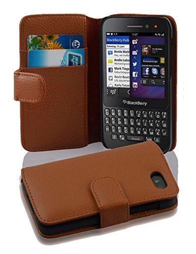 Cadorabo Hülle für BlackBerry Q5 - Hülle in Cognac BRAUN – Handyhülle mit Kartenfach aus struktriertem Kunstleder - Hülle Cover Schutzhülle Etui Tasche Book Klapp Style