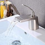 Moderno baño de cobre lavabo cromo mezclado grifo único agujero conjunto bajo el contador Cuenca cascada salida de agua caliente y fría grifo Set grifos para baño