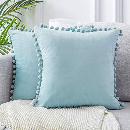 Yontree - Fundas de cojín cuadradas y plisadas de terciopelo - Fundas decorativas y suaves con pompones, de color liso, para coche, sofá o dormitorio, 45 x 45 cm