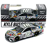 Lionel Racing KY Busch 1/64 HT Skittles Zombie 20 Camry, Multicolor