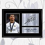 Inspired Walls Foto und aufgedrucktes Autogramm, Cristiano