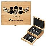 Murrano Weinöffner-Set personalisiert Weinset Sommelier Set - Geschenkbox Holzbox + 8er Weinzubehörset - aus Bambus - Braun - Geschenk Hochzeit Hochzeitstag Paar - Weintraube